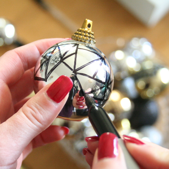 Christmas page 4 the interior diyer optimal thumb placement on the bauble so you cant see all of me in my pyjama glory dripping in diamonds god bless tripods and timers solutioingenieria Choice Image